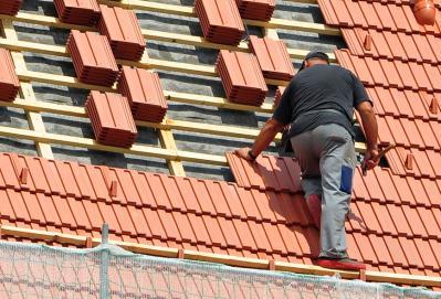 SONDERTHEMA -  Arbeiten auf Dächern